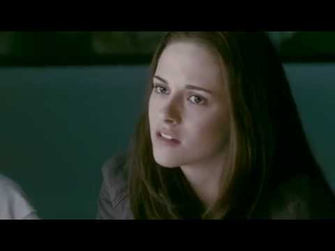 La tercera parte de 'Crepúsculo' explora un triángulo de amor entre Bella (Kristen Stewart), Edward (Robert Pattinson) y Jacob (Taylor Lautner) y lucharán ju...