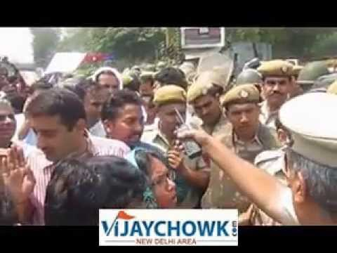 Delhi Small Girl Rape - Aam Aadmi Party And Student Protest At Delhi Police Hq video