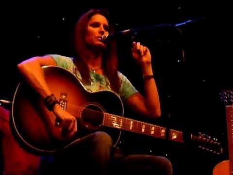 Terri Clark - Three Mississippi