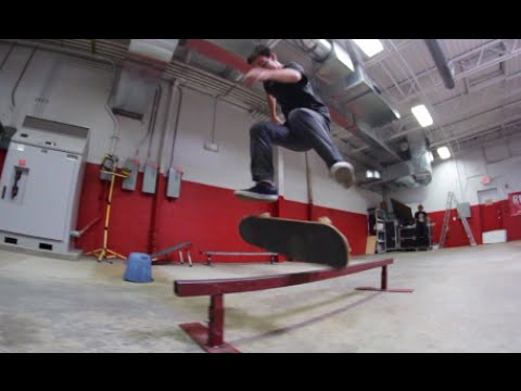 SKATE RAIL: Land Tricks. Get Cash. klip izle