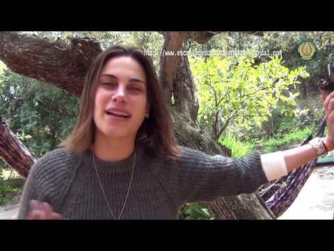 Carla Barber, la primera mujer en hacer fuego en Supervivientes