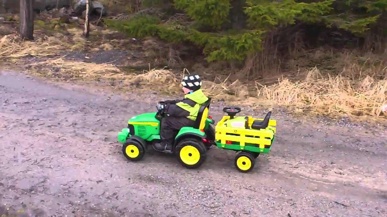 john deere elektrisk traktor youtube. Black Bedroom Furniture Sets. Home Design Ideas