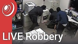 Live Robbery - Eurovault Safe holds up in a live robbery