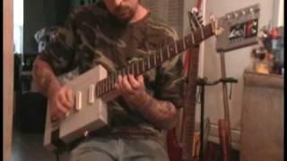 Thumb Guitarra eléctrica hecha con un Nintendo NES