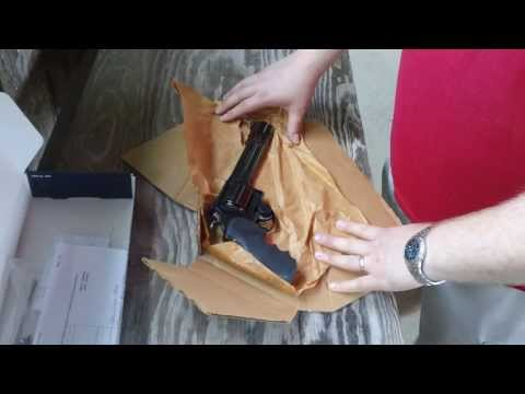 Unboxing Review Smith and Wesson Model 29 Classic Magnum