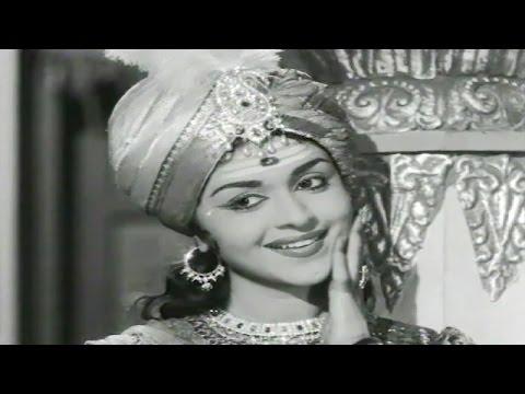 Kitthuru Chennamma Kannada Movie Songs | Hoovina Hantha | Dr Rajkumar | B Sarojadevi video