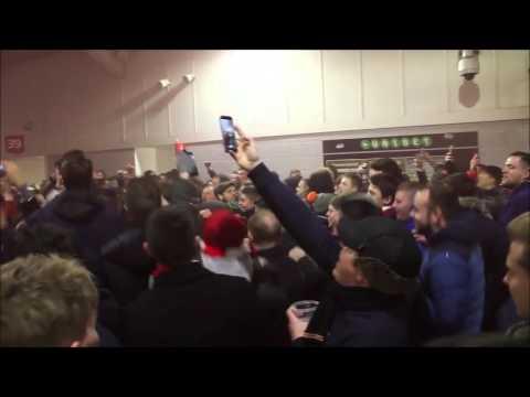 Arsenal FC: Mesut Özil chant