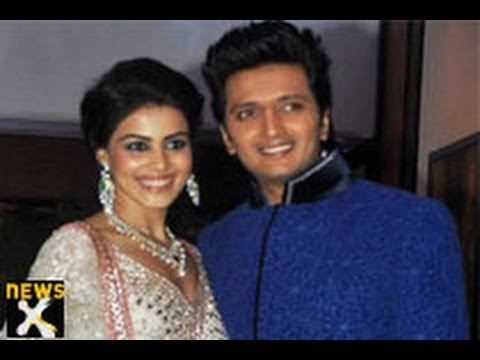 Bollywood stars at Ritesh-Genelia's sangeet ceremony-NewsX