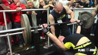 13 year old girl Benches 240lb RAW
