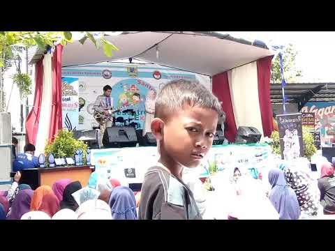 Download Suara Merdu Wafiq Azizah feat Emirates - Ya Jamalu Mp4 baru