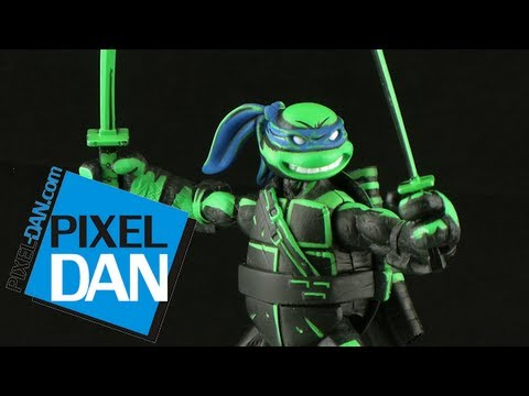 Nickelodeon Teenage Mutant Ninja Turtles SDCC Exclusive Night Shadow Leonardo Figure Review
