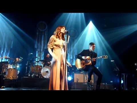 Florence and The Machine - Leave My Body at Hackney Empire
