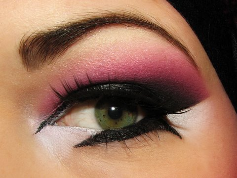 Line those Arab eyes - Arabic pink purple makeup