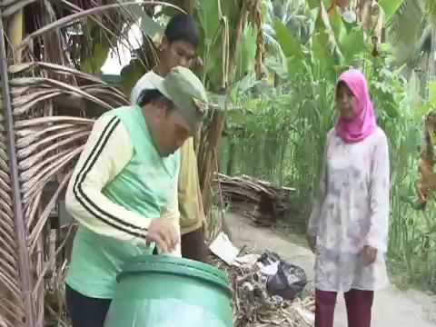 Hand washing, Indonesia - IYS International Year of Sanitation - Eumpang Breuh Film