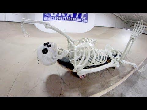 Skeleton Skates The Haunted Skatepark!