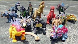 Dino Battle Showdown! Learn Dinosaur Names for Kids! Fun Toy Video!