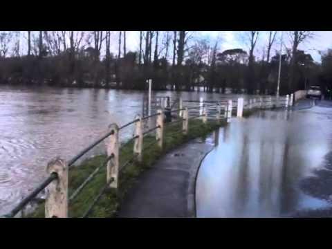 Sturminster newton floods christmas 2013