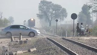 Pakistan Railways | Fastest Train Ever in Pakistan 2018 | 28 dn Shalimar Express Fastest HGMU-30 ||