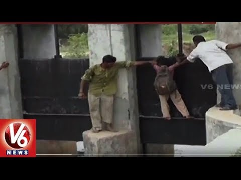 Locals And School Children Risk Their Lives Crossing Collapsed Bridge in Gujarat's Kheda | V6 News
