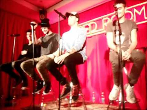 Walks Like Rihanna (Acoustic) - The Wanted (First live performance)
