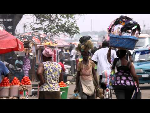 Head Porters Become Businesswomen in Accra's Slums