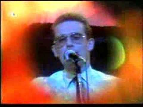 "The Master Graham Bonnet sings the Bob Dylan's Classic "" It's All Over Now Baby Blue"" in Germany, in 1977."