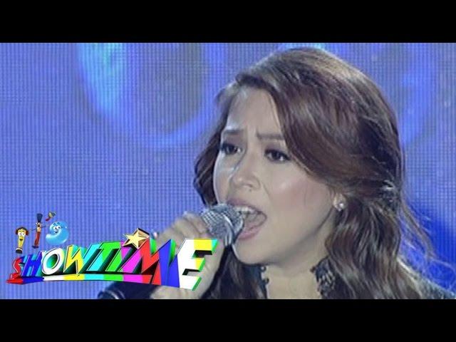 "It's Showtime: Roselle Nava sings ""Bakit Nga Ba Mahal Kita"" on Singing Mo To"