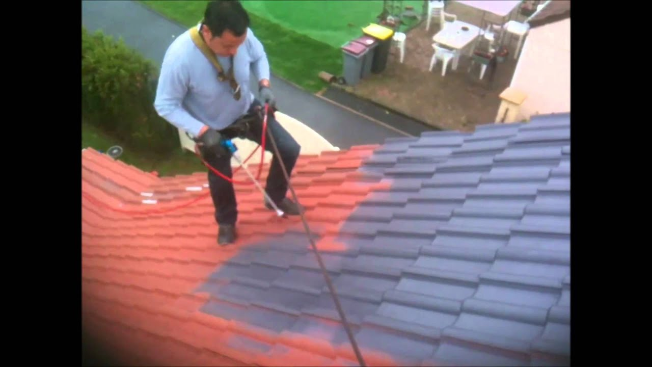 N ttoyage toitures d moussage traitement hydrofuge - Maison peinte en gris ...