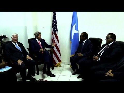 Kerry makes landmark visit to Somalia