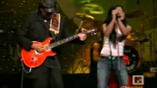 CARLOS SANTANA & Michelle Branch - the game of love