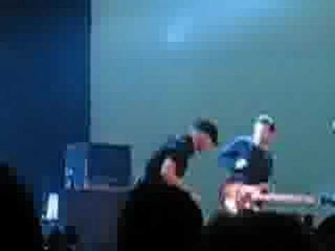 Tragically Hip Winnipeg Jan.20/2007 Three Pistols