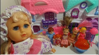 Crazy Baby Make Her House With Babies Friends |