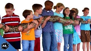 download lagu Giant Snake Teaching Kids About Reptiles Snakebytestv - Ep. gratis