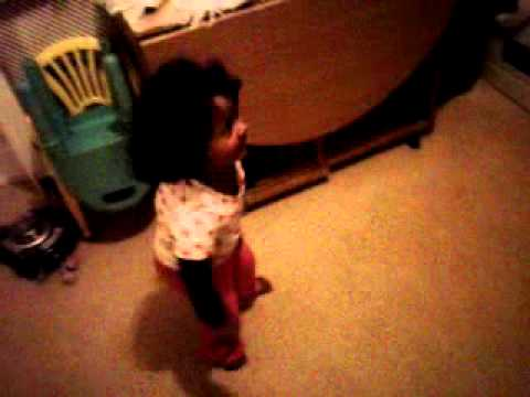 1 year old dancing to Saadi Gali