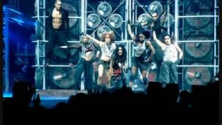 Christina Aguilera - Dirrty (live)