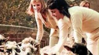 Lovely Linda McCartney :)