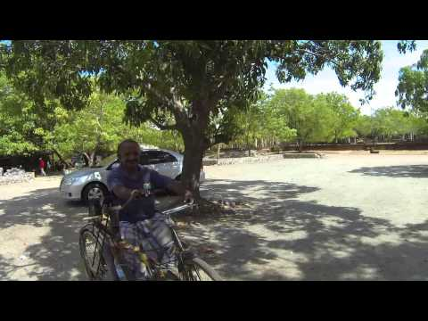 2013-09-03 - Handbiker bei Tempel - xxx, Sri Lanka