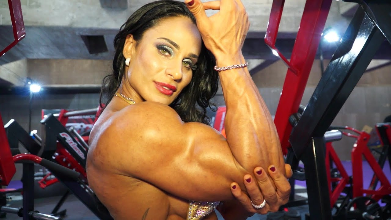 Трахает мускулистую бабу смотреть, Мускулистые женщины трахаются 1 xxx TV 6 фотография