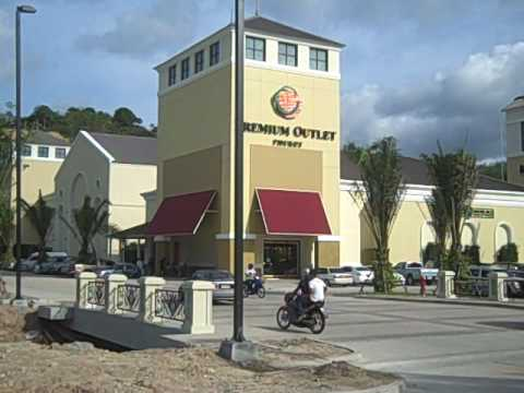 Top 5 Update Outlet Shopping Center Opens