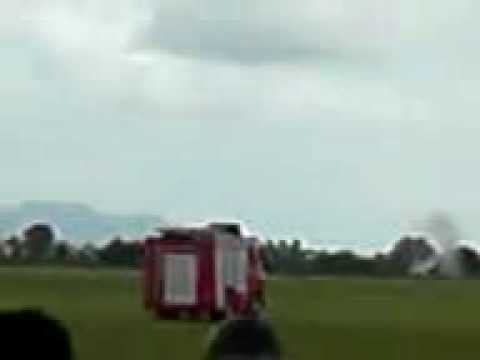 REAL JET CRASH AT TAIPING AIRPORT MALAYSIA (PILOT DIE)