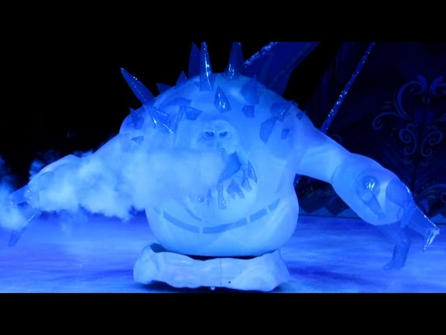 FROZEN Disney on Ice - Marshmallow Snow Monster Menaces Anna, Kristoff and Olaf