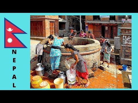 The water tanks and wells of Kathmandu (Nepal)