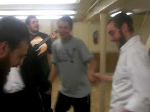 Yeshiva Chanoch Lenaar Farbrengen 2
