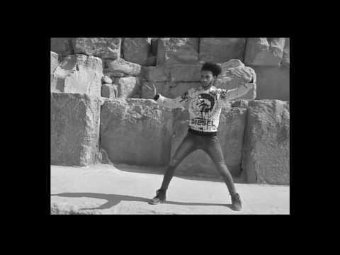 مهرجان الكترو شعبي ميوزك - اوكا واورتيجا 2017 رقص محمد الاجنبى فى الهرم رقص هيب هوب بوبينج 2017 thumbnail