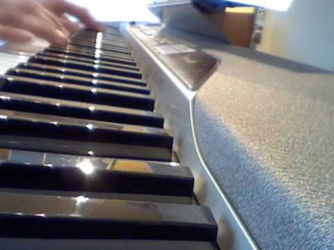 Angels - Robbie Williams - Official Video (Piano Cover)