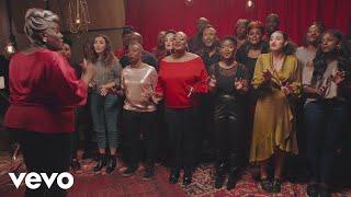 Musique pub Coca Noel 2018 - Holidays Are Coming  [feat. Camélia Jordana & Namika]