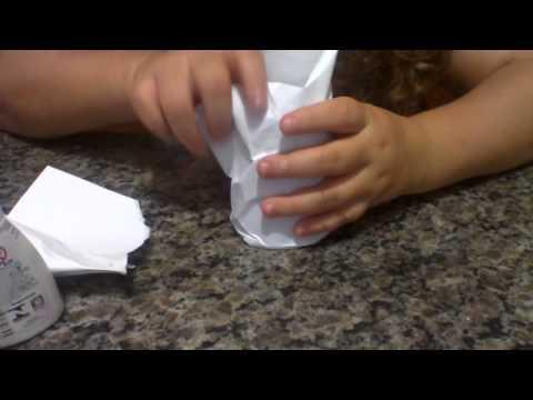 ensinando fazer bonequinho de copo descartavel