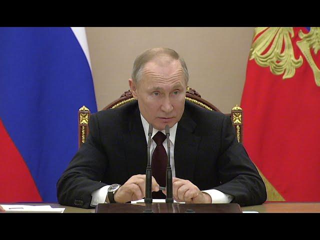 «Чтобы неповадно было»: Путин призвал лишать лицензии аптеки за завышение цен из-за коронавируса