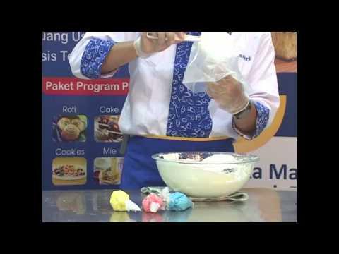 BOGASARI Membuat Bolu Kukus Bersama Chef Irfan