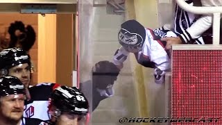 Young Hockey Fan Fist Bumps TPS Players - CHL - Oct 4, 2016 (HD)
